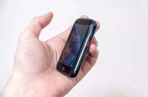 Jelly 2, el teléfono inteligente más pequeño del mundo con Android 10
