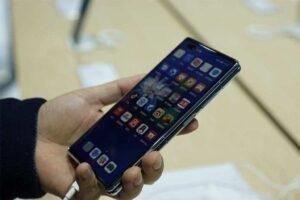 Huawei Mate X2 4G con HarmonyOS se vende hoy por $ 2,710